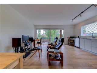 """Photo 5: 206 1661 E 2ND Avenue in Vancouver: Grandview VE Condo for sale in """"2ND & COMMERCIAL"""" (Vancouver East)  : MLS®# V1136892"""
