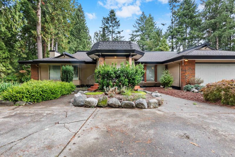 FEATURED LISTING: 14309 GREENCREST Drive Surrey