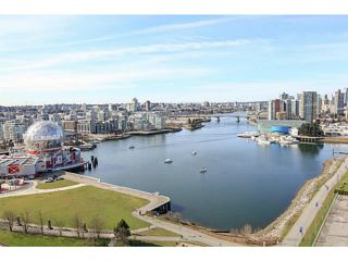 """Photo 1: 2206 120 MILROSS Avenue in Vancouver: Mount Pleasant VE Condo for sale in """"THE BRIGHTON"""" (Vancouver East)  : MLS®# V1108623"""