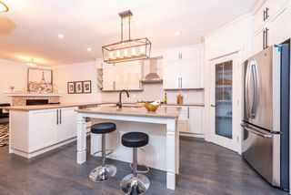 Main Photo: 1717 15 Street NW in Calgary: Capitol Hill Semi Detached for sale : MLS®# A1109111