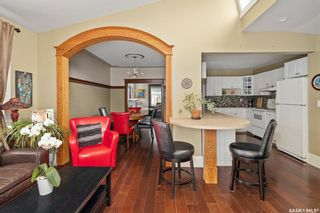 Photo 4: 823 6th Avenue North in Saskatoon: City Park Residential for sale : MLS®# SK854041