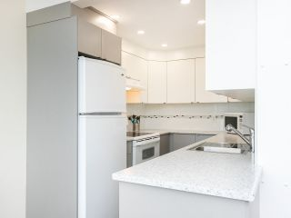 """Photo 13: 502 1508 MARINER Walk in Vancouver: False Creek Condo for sale in """"Mariner Point"""" (Vancouver West)  : MLS®# R2559474"""