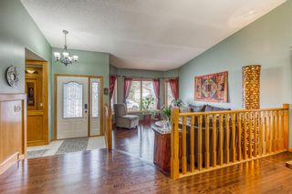 Photo 5: 6105 Signal Ridge Heights SW in Calgary: Signal Hill Detached for sale : MLS®# A1102918