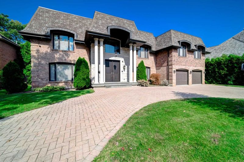 FEATURED LISTING: 2285 Shawanaga Trail Mississauga