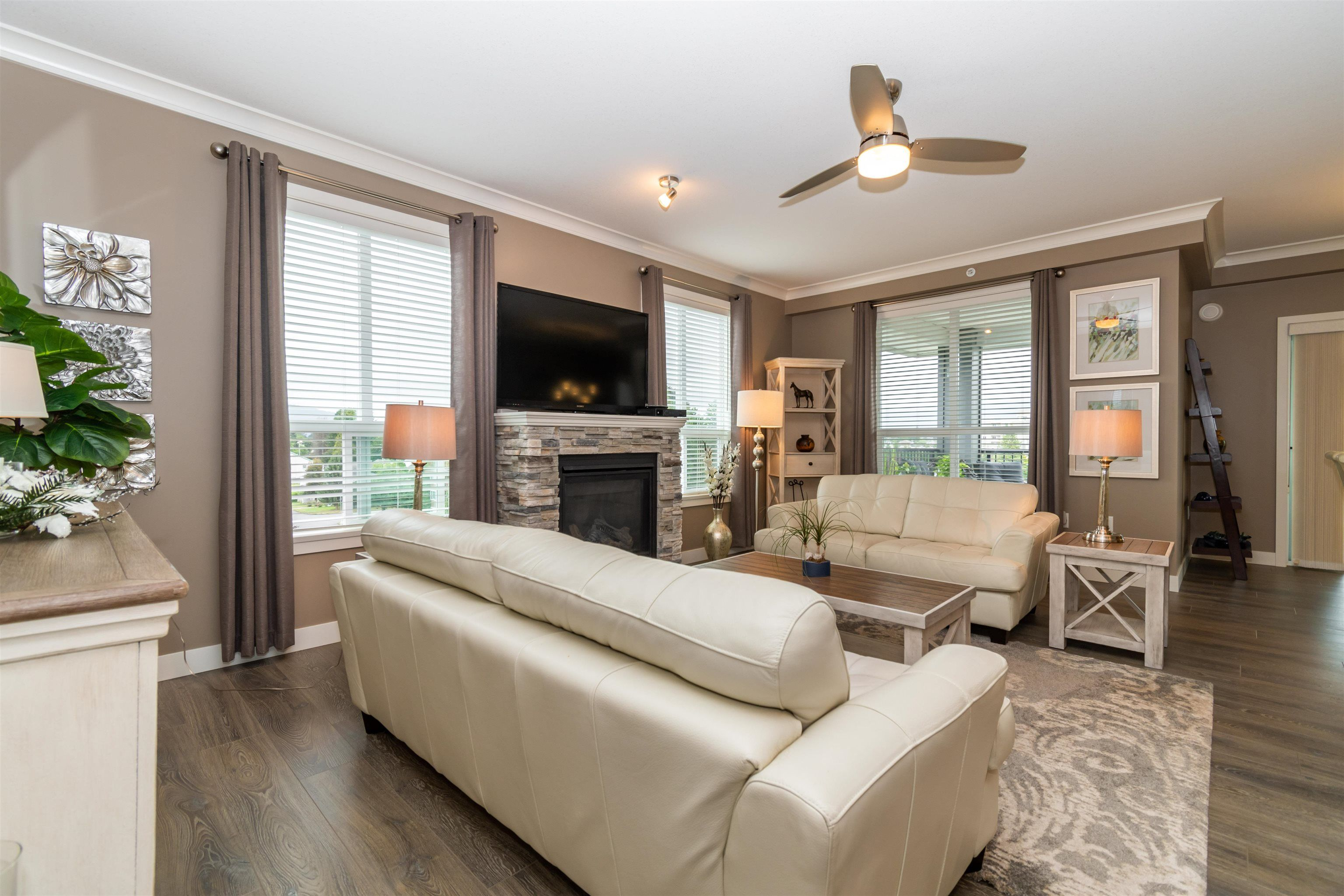 Main Photo: 402 45630 SPADINA Avenue in Chilliwack: Chilliwack W Young-Well Condo for sale : MLS®# R2617766