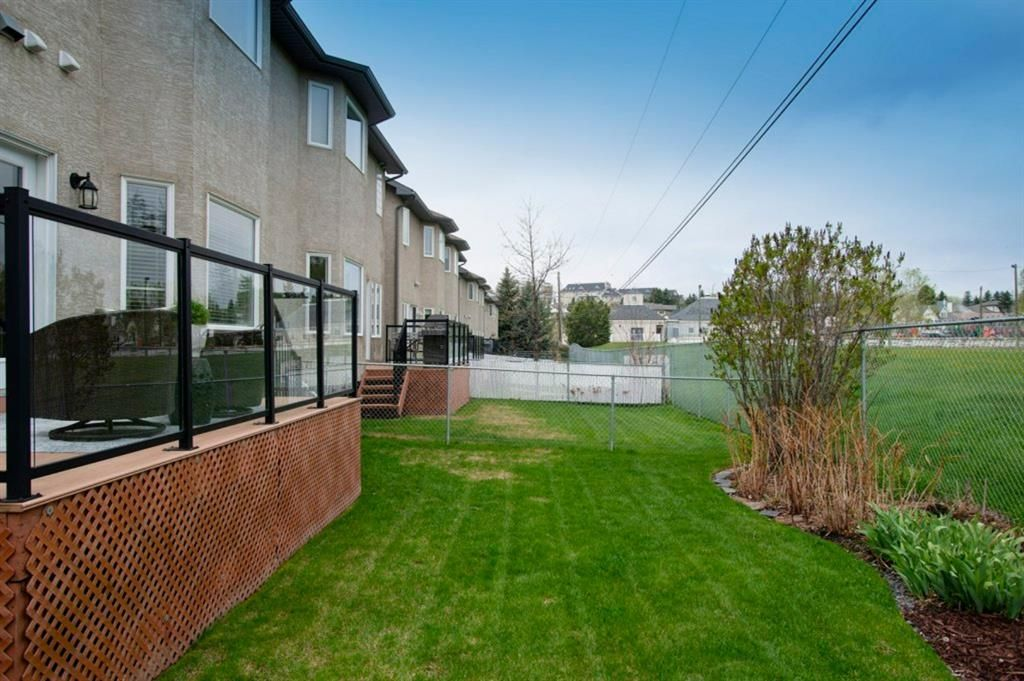 Photo 39: Photos: 32 Prominence Park SW in Calgary: Patterson Row/Townhouse for sale : MLS®# A1112438