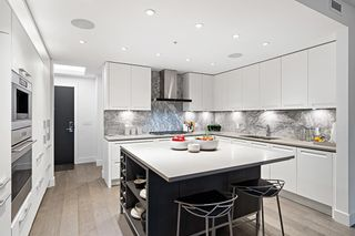 """Photo 2: 211 6333 WEST Boulevard in Vancouver: Kerrisdale Condo for sale in """"McKinnon"""" (Vancouver West)  : MLS®# R2605398"""
