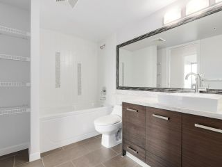 """Photo 12: 706 2959 GLEN Drive in Coquitlam: North Coquitlam Condo for sale in """"THE PARC"""" : MLS®# R2156531"""