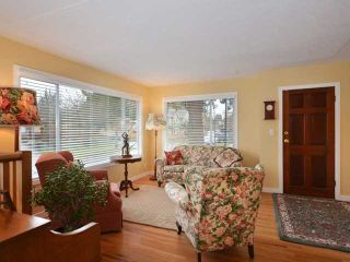 """Photo 3: 3058 GLEN Drive in Vancouver: Mount Pleasant VE House for sale in """"Cedar Cottage"""" (Vancouver East)  : MLS®# V937077"""