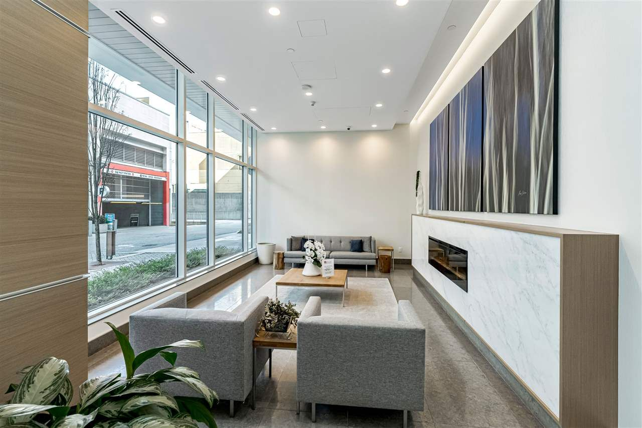 """Main Photo: 2909 4670 ASSEMBLY Way in Burnaby: Metrotown Condo for sale in """"Station Square"""" (Burnaby South)  : MLS®# R2564730"""