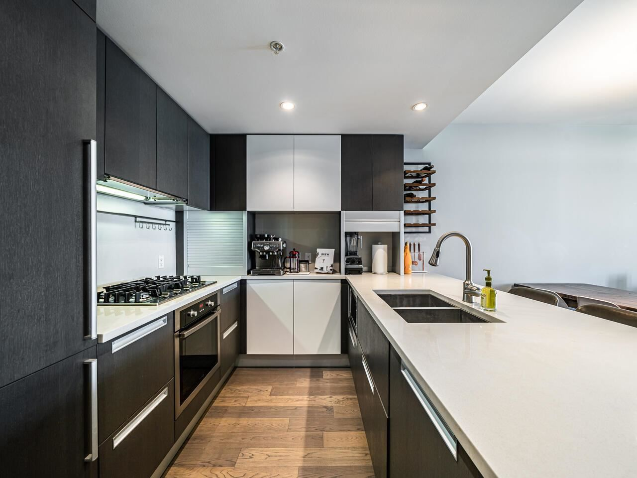 """Main Photo: 1202 288 W 1ST Avenue in Vancouver: False Creek Condo for sale in """"The James"""" (Vancouver West)  : MLS®# R2589567"""