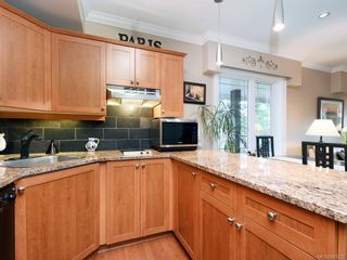 Photo 7: 206 2326 Harbour Rd in Sidney: Si Sidney North-East Condo for sale : MLS®# 841472
