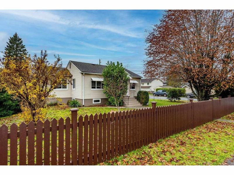 FEATURED LISTING: 9495 CORBOULD Street Chilliwack