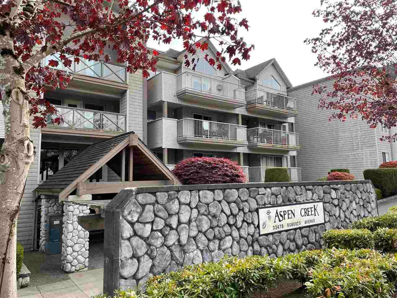 """Main Photo: 113 33478 ROBERTS Avenue in Abbotsford: Central Abbotsford Condo for sale in """"Aspin Creek"""" : MLS®# R2573470"""