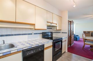 """Photo 5: 705 5790 PATTERSON Avenue in Burnaby: Metrotown Condo for sale in """"THE REGENT"""" (Burnaby South)  : MLS®# R2330523"""