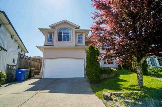 """Photo 2: 3606 SYLVAN Place in Abbotsford: Abbotsford West House for sale in """"Townline"""" : MLS®# R2588566"""