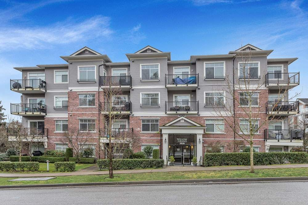 "Main Photo: 108 19530 65 Avenue in Surrey: Clayton Condo for sale in ""WILLOW GRAND"" (Cloverdale)  : MLS®# R2536087"
