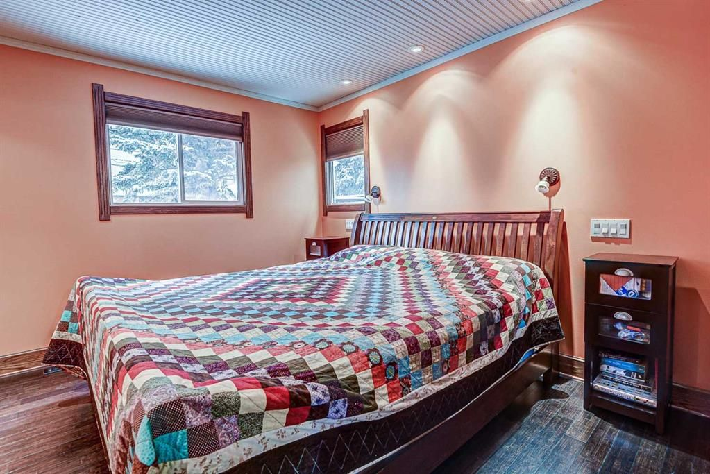 Photo 13: Photos: 120 15 Street NW in Calgary: Hillhurst Detached for sale : MLS®# A1050492