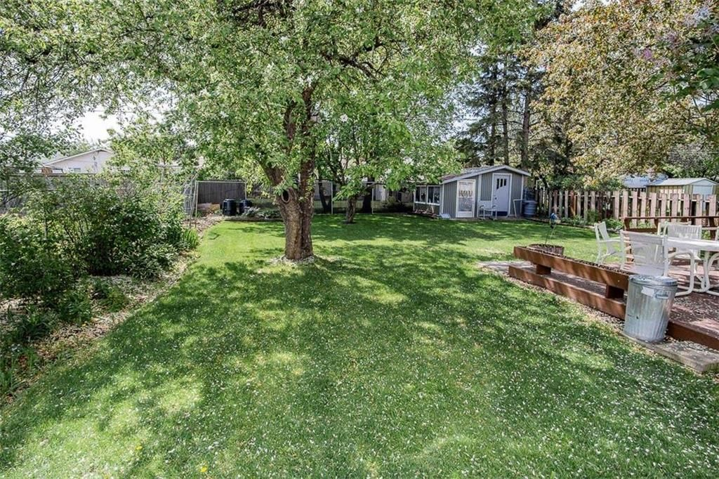Photo 30: Photos: 128 Sterling Avenue in Winnipeg: Meadowood Residential for sale (2E)  : MLS®# 202011390