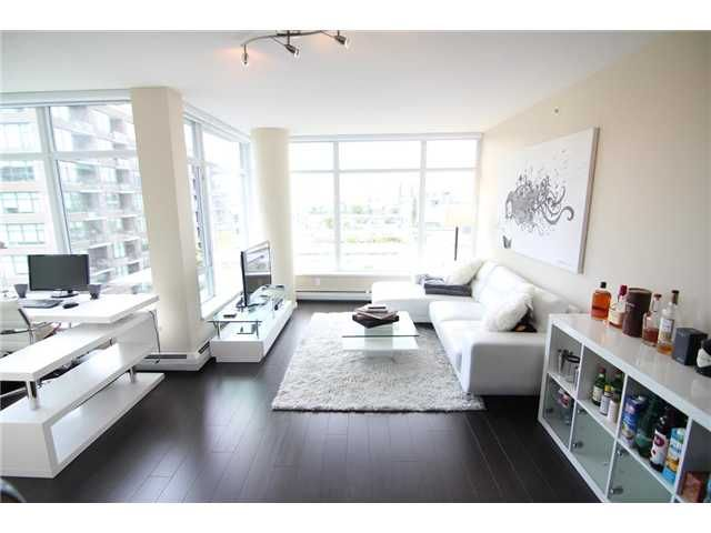 Main Photo: 802 168 W 1ST Avenue in Vancouver: False Creek Condo for sale (Vancouver West)  : MLS®# V1072354