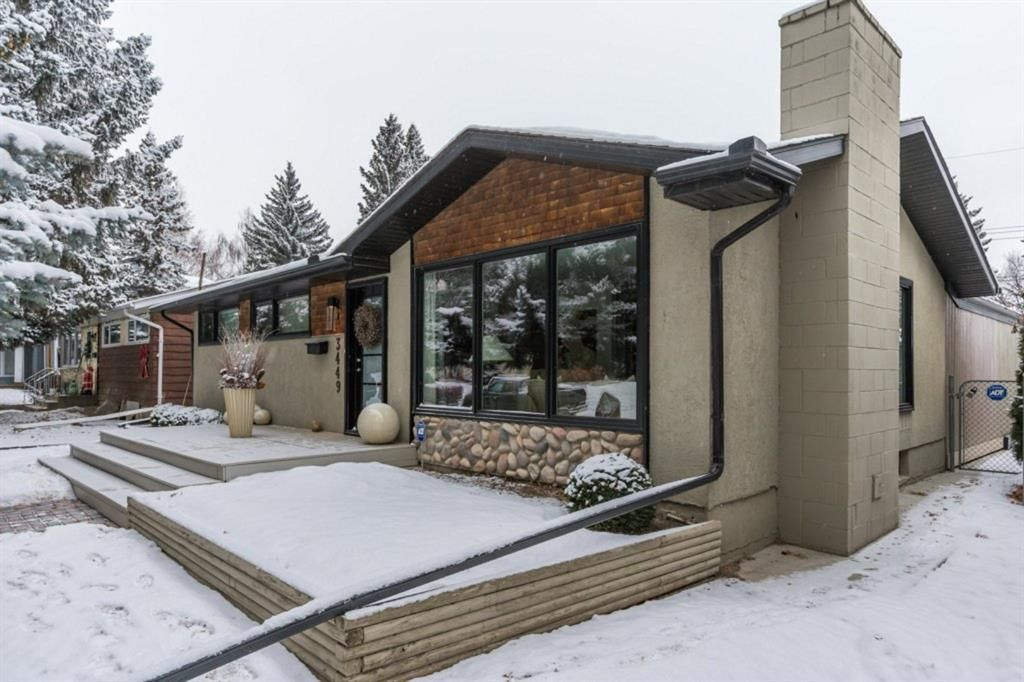 Main Photo: 3449 Lane Crescent SW in Calgary: Lakeview Detached for sale : MLS®# A1063855
