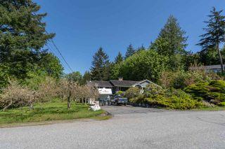 Photo 2: 2227 READ Crescent in Squamish: Garibaldi Estates House for sale : MLS®# R2570899
