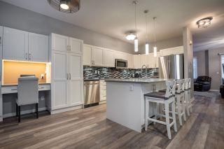 """Photo 6: 94 6575 192 Street in Surrey: Clayton Townhouse for sale in """"IXIA"""" (Cloverdale)  : MLS®# R2502257"""