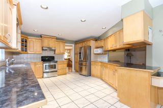 Photo 7: 8060 BLUEBELL Street in Mission: Mission BC House for sale : MLS®# R2376740