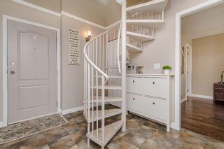 "Photo 2: 413 14377 103 Avenue in Surrey: Whalley Condo for sale in ""Claridge Court"" (North Surrey)  : MLS®# R2189237"