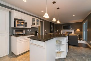Photo 3: 3725 LETHBRIDGE Drive in Abbotsford: Abbotsford East House for sale : MLS®# R2439515