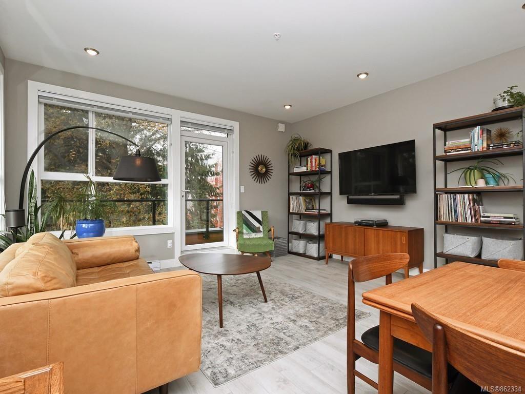 Main Photo: 201 1460 Pandora Ave in : Vi Fernwood Condo for sale (Victoria)  : MLS®# 862334