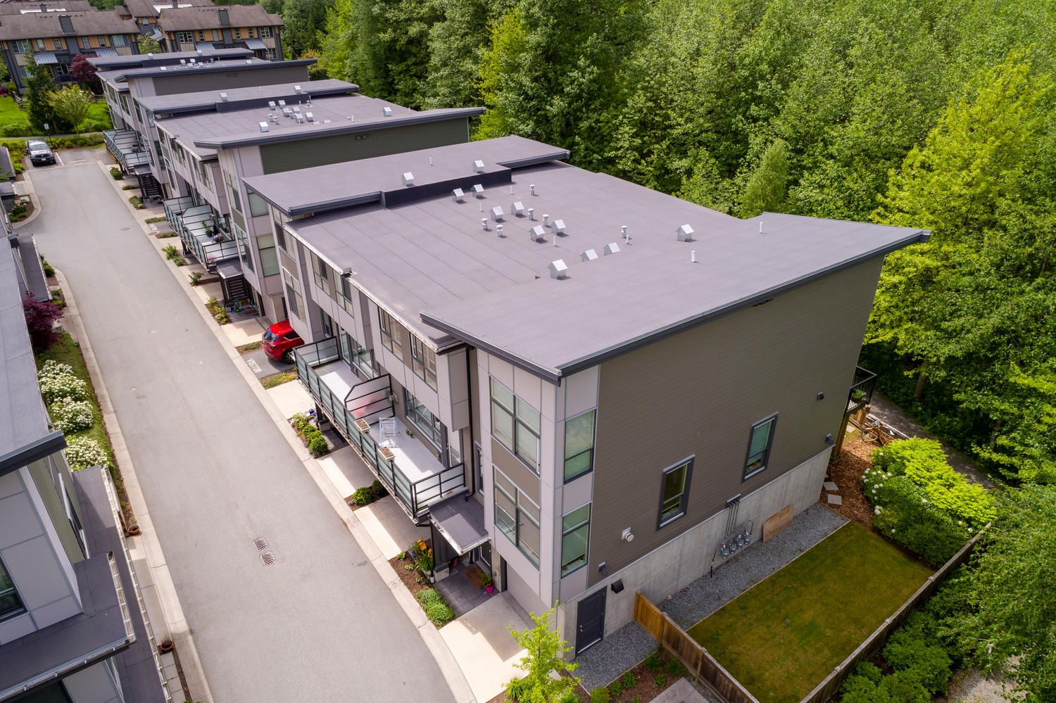 """Main Photo: 1177 NATURES Gate in Squamish: Downtown SQ Townhouse for sale in """"Natures Gate at Eaglewind"""" : MLS®# R2459208"""