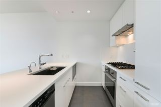 """Photo 7: 606 6383 CAMBIE Street in Vancouver: Oakridge VW Condo for sale in """"Forty Nine West"""" (Vancouver West)  : MLS®# R2506344"""