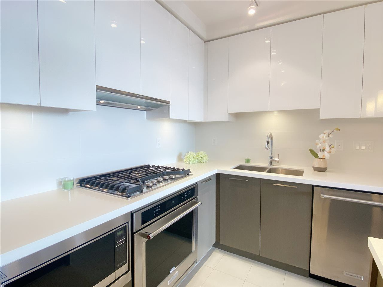 """Main Photo: 2805 3080 LINCOLN Avenue in Coquitlam: North Coquitlam Condo for sale in """"1123 Westwood"""" : MLS®# R2521165"""