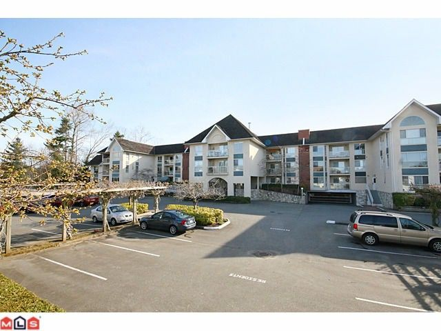 """Main Photo: 306 19835 64TH Avenue in Langley: Willoughby Heights Condo for sale in """"WILLOWBROOK GATE"""" : MLS®# F1007312"""