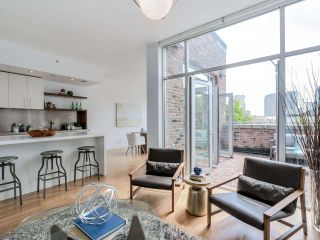 """Photo 4: PH3 36 WATER Street in Vancouver: Downtown VW Condo for sale in """"TERMINUS"""" (Vancouver West)  : MLS®# R2082070"""