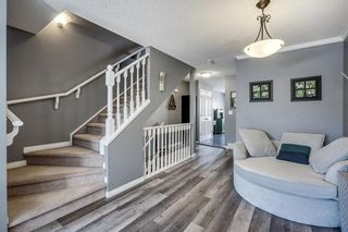 Photo 5: 1419 1 Street NE in Calgary: Crescent Heights Row/Townhouse for sale : MLS®# C4288003