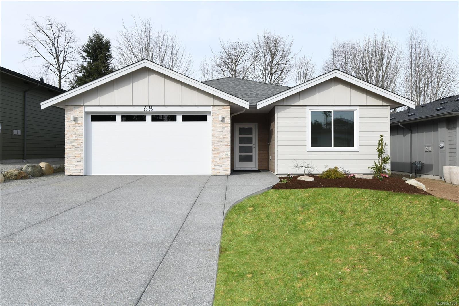 Main Photo: 68 Grayhawk Pl in : CV Courtenay City House for sale (Comox Valley)  : MLS®# 871354