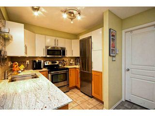"Photo 3: 202 760 KINGSWAY in Vancouver: Fraser VE Condo for sale in ""Kingsgate Manor"" (Vancouver East)  : MLS®# V1035809"