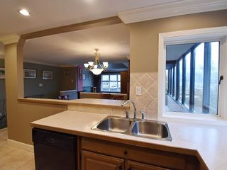 """Photo 8: 13 1620 BALSAM Street in Vancouver: Kitsilano Townhouse for sale in """"OLD KITS TOWNHOMES"""" (Vancouver West)  : MLS®# R2012310"""