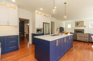 Photo 11: 4039 South Valley Dr in VICTORIA: SW Strawberry Vale House for sale (Saanich West)  : MLS®# 816381