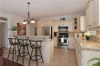 Photo 3: 72 Meyer Drive: Orangeville House (Bungalow) for sale : MLS®# W4241789