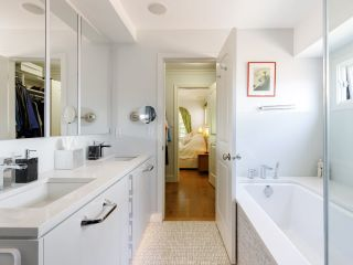 """Photo 15: 2074 MCNICOLL Avenue in Vancouver: Kitsilano 1/2 Duplex for sale in """"KITS POINT"""" (Vancouver West)  : MLS®# R2575728"""
