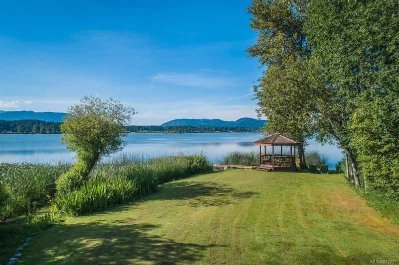 FEATURED LISTING: 1949 Maple Bay Rd