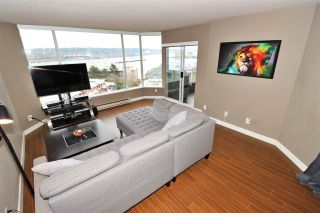 "Photo 4: 803 1065 QUAYSIDE Drive in New Westminster: Quay Condo for sale in ""Quayside Tower II"" : MLS®# R2417737"