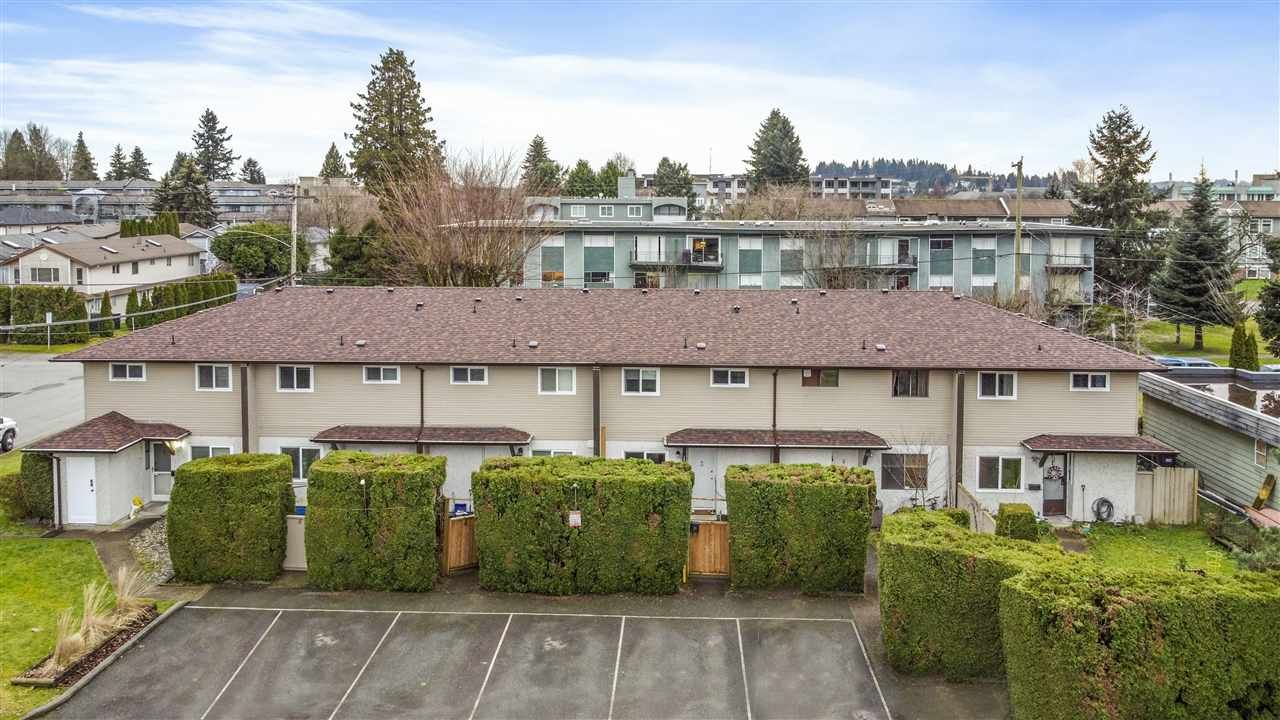 Main Photo: 3 2023 MANNING Avenue in Port Coquitlam: Glenwood PQ Townhouse for sale : MLS®# R2533607