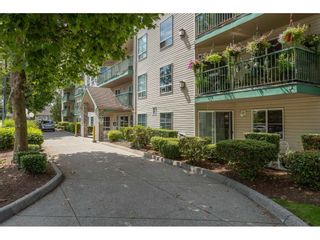"""Photo 2: 407 2435 CENTER Street in Abbotsford: Abbotsford West Condo for sale in """"Cedar Grove Place"""" : MLS®# R2391275"""