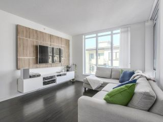 """Photo 3: 402 3162 RIVERWALK Avenue in Vancouver: Champlain Heights Condo for sale in """"SHORELINE"""" (Vancouver East)  : MLS®# R2220256"""