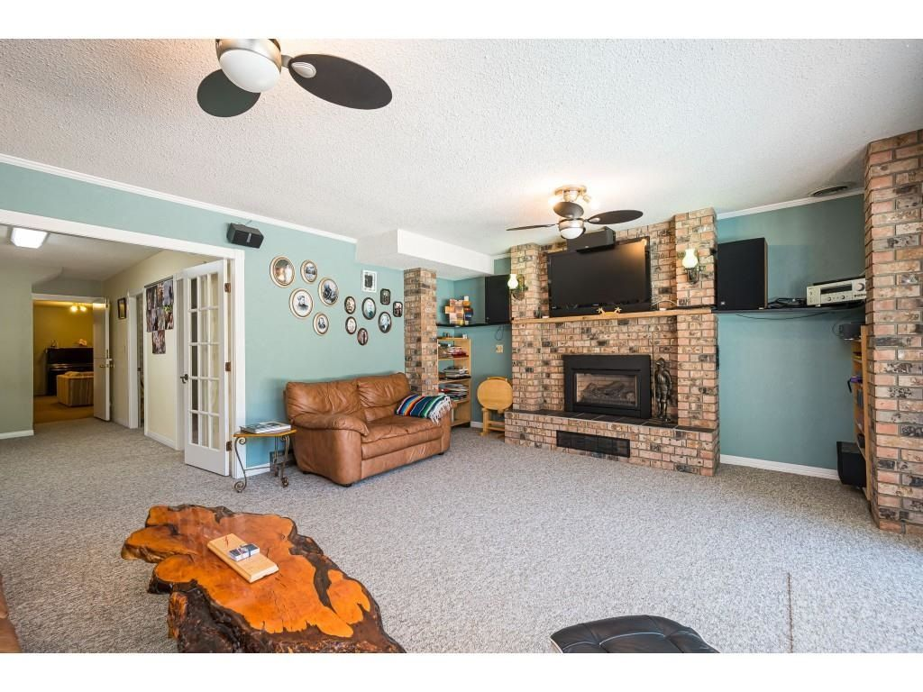 Photo 11: Photos: 26019 58 Avenue in Langley: County Line Glen Valley House for sale : MLS®# R2599684