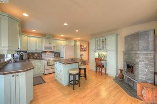 Photo 6: 9 300 Plaskett Pl in VICTORIA: Es Saxe Point House for sale (Esquimalt)  : MLS®# 784553